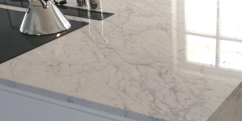 Köksbänkskivor i Carraramarmor
