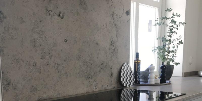Bänkskivor av kalksten – dinosaurier i ditt vardagsrum